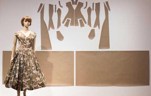 CutFoldShape-Christian-Dior-WEB