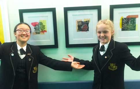 Childrens Hospital Amelie and Celine with their artworks WEB