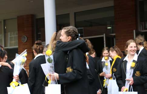 Year-12--Farewell-hugging-WEB