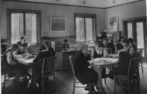 Abbotsleigh Thurles Thomas In Library c1939